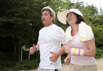 高齢者のジョギング