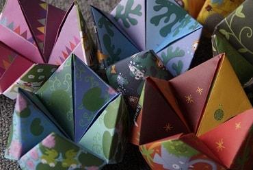 室内で凝った折り紙を作った