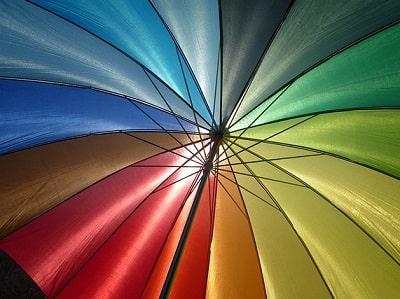 カラフルな虹色の傘